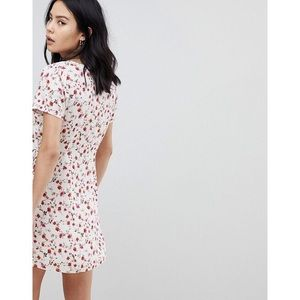 Tobi Dresses - 🆕 Kiss From A Rose Floral Print Wrap Dress